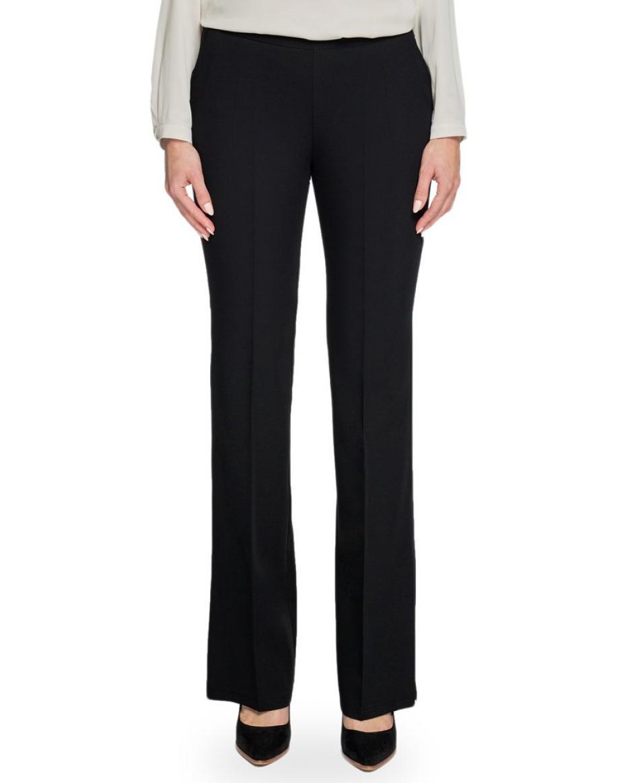 Μαύρο παντελόνι σε κλασική γραμμή