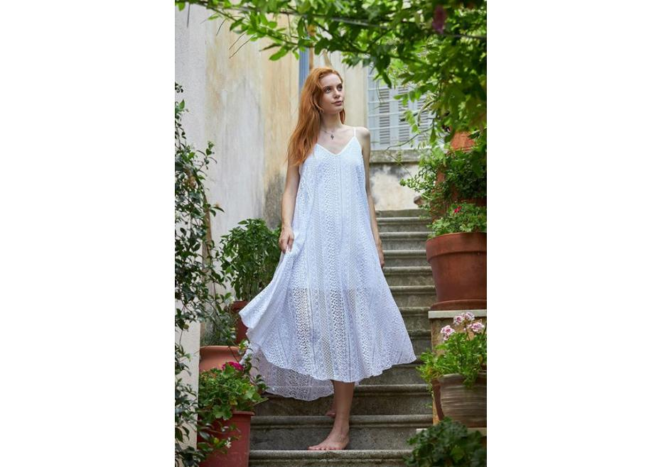 Υπέροχο λευκό φόρεμα!